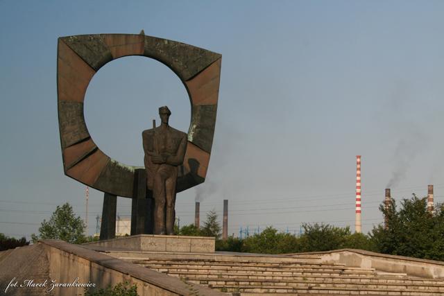 Pomnik powstańców ¦laśkich w Zzdzieszowicach.jpeg